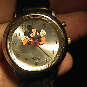 Disney Mickey Mouse Watch by Sii Running Feet Second Hand MOU319 ??
