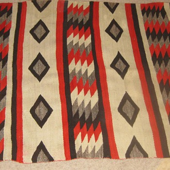 NAVAJO RUG - Native American