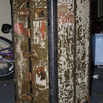 Antique Hartmann Wardrobe Luggage