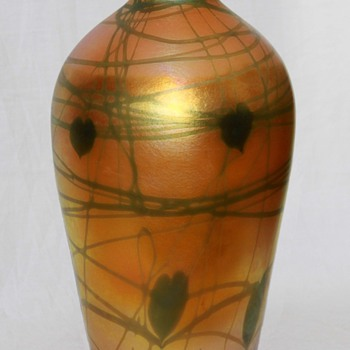 Quezal Golden Heart &amp; Vine Vase, Large - Art Glass