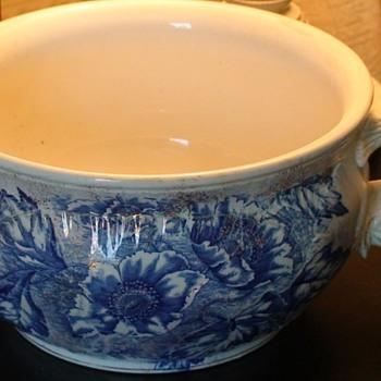 """Dunn & Bennett Chamber Pot Burslem, England """"Florence Pattern"""" - Art Pottery"""