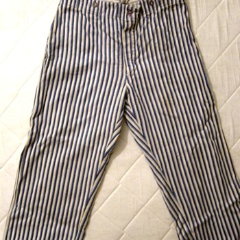 WW2 Pijama dating from 1943 - Military and Wartime