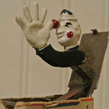 Chesterfield Cigarette Gag Thing...An Annoying Ceramic Clown Jumps Up - Tobacciana