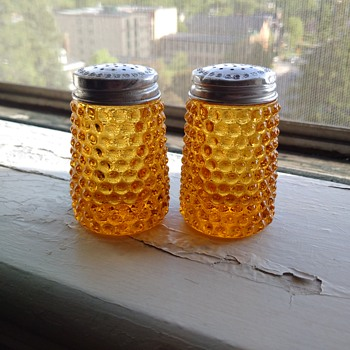 Can anyone identify the maker of these shakers?