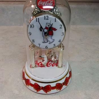 COCA COLA  BEAR CLOCK - Clocks