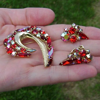Juliana Brooch Set