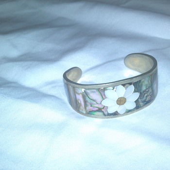"vintage ""hecho en mexico"" silver with mother of pearl inlay bracelet"