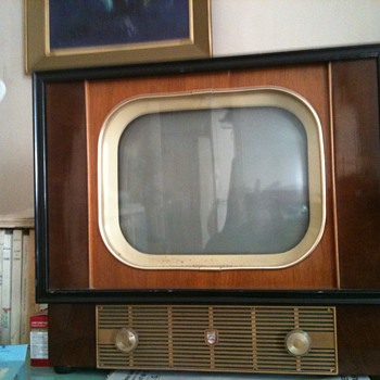 old philips TV - Radios