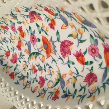 Oval lace porcelain flower candy dish?