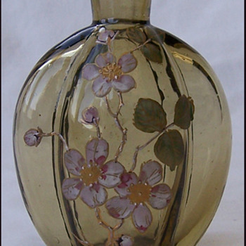 HARRACH MINATURE VASE OR PERFUME BOTTLE - Art Glass