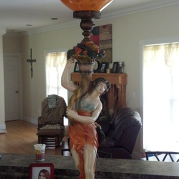 BEAUTIFUL 1950'S LAMP 5 FEET TALL