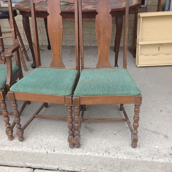 Can anyone tell me anything about these chairs?