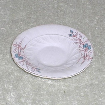 Porcelain cup saucer floral