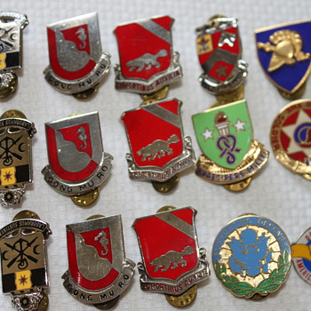 Military Insignias - Military and Wartime