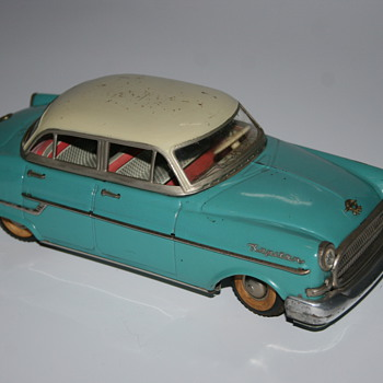 Gama opel kapitan 400 tin toy - Model Cars