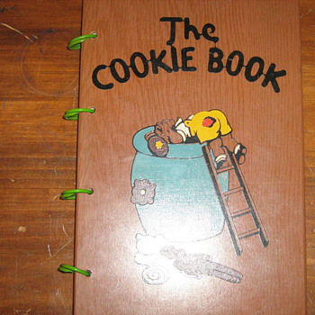"prestine condition ""The Cookie Book"""