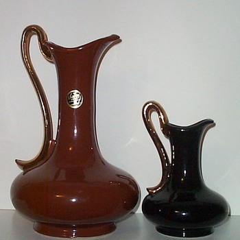 SAVOY CHINA - TWO SIZES I - Art Pottery