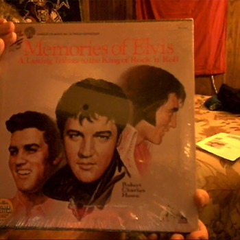 """Memories of Elvis"" A lasting Tribute to the King of Rock ""n"" Roll - Records"