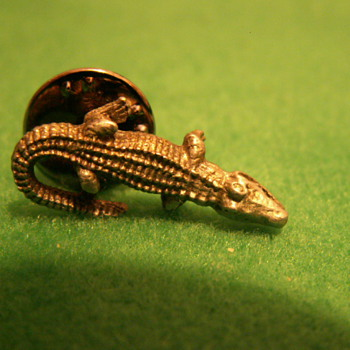 Vintage Pewter Alligator Lapel Pin - Costume Jewelry