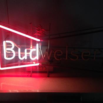 Vintage Flashing Budweiser Neon
