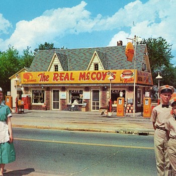 The Real McCoys Shell Gas Station and Cafe 1950's Postcard - Postcards