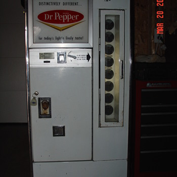 Dr. Pepper Machine...Model 2A...Kansas City, Kansas...S-V Co&#039;s. - Coin Operated