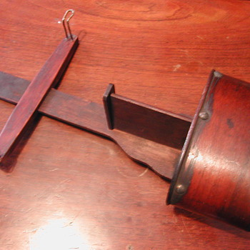 Holmes Stereoscope (mid-1800)