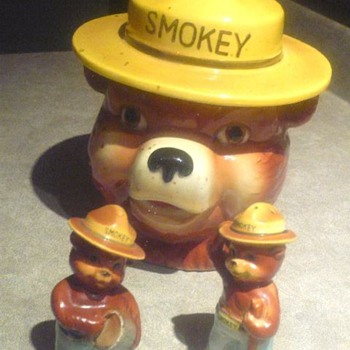 Smokey Bear Cookie Jar Vintage ? - Kitchen