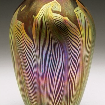 QUEZAL ART GLASS VASE, circa 1901