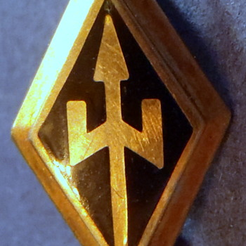 "1949 Fraternity/Sorority Pin 1/2"" Diamond Shaped Badge w/Tripod"