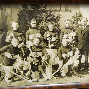 VINTAGE EARLY 1900&#039;s HOCKEY PHOTO