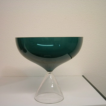unknown( perhaps Alsterfors?) - Art Glass