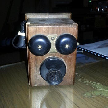 Telephone pencil sharpener