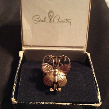 Sarah Coventry Butterfly Ring with Amethys Crystals - Animals