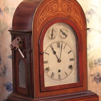 My great-grandfather's Westminster chime mantel clock - Clocks