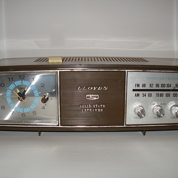 Lloyds Solid State 2 Speaker Clock Radio - Radios