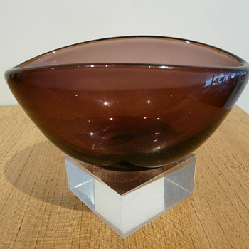 SEAGLASBRUK KOSTA VASE - Art Glass