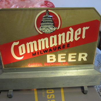 Capital Milwaukee Brewery Commander back bar reverse glass light by everbrite - Breweriana