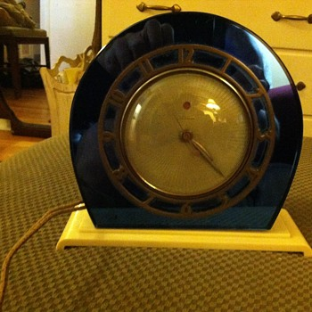 Grandma's Retro Blue Mirrored Clock