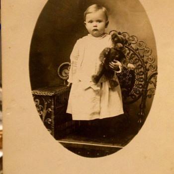 Photo Of=== TOT WITH GOOD SIZED TEDDY BEAR, STEIFF? c.1912 - Photographs