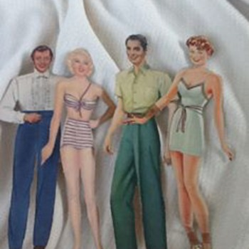 Vintage paper dolls and clothes - Paper
