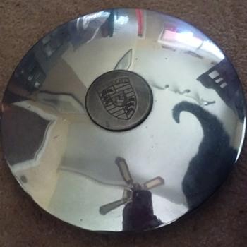 1960's (?) PORSCHE hubcap