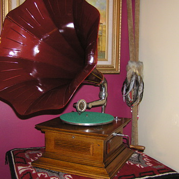 Rexophone New Kent Australian made gramophone - Records