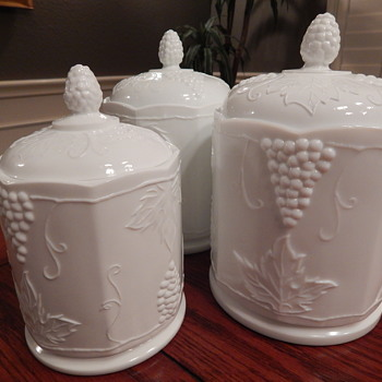 Colony milk glass canister set