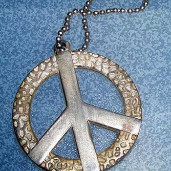 1960's Hippie Jewelry, Peace Sign Pendant with Necklace