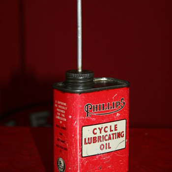 Phillips cycle oil can - Petroliana