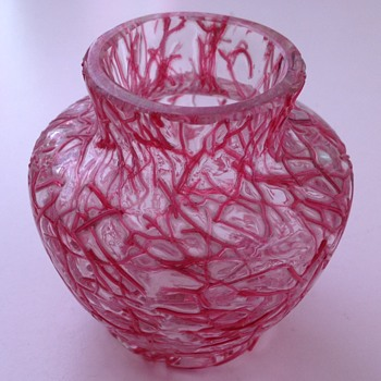 Miniature Peloton glass vase with pink threads - Harrach?