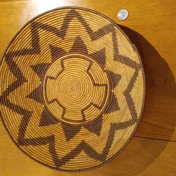 Is this a southwest native American basket? Is it old?