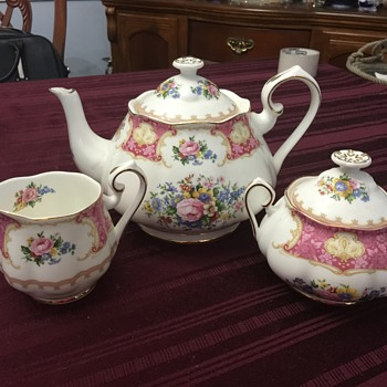 Royal Albert tea pot