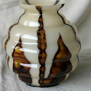 Kralik Bambus Ball Vase - Art Glass